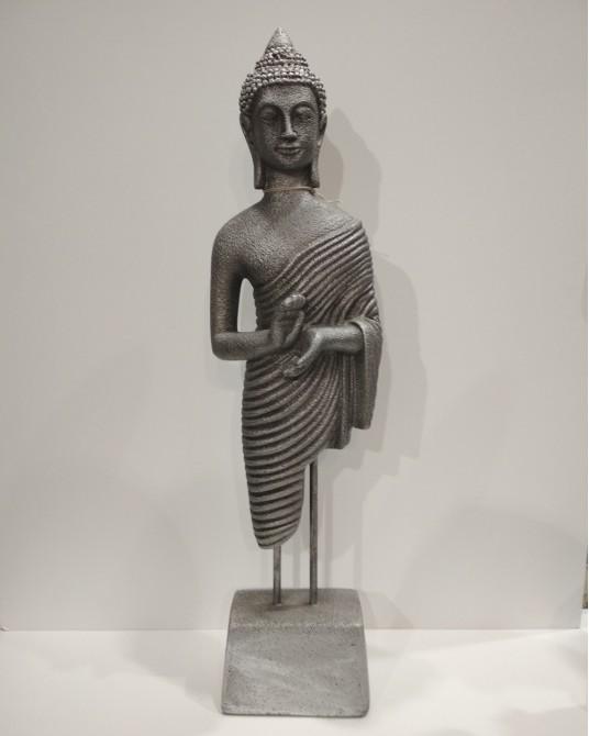 Buda de pie pequeño